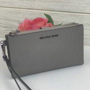 🌸Michael Kors DoubleZip Wallet Wristlet Grey